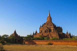 Bagan - The Sulamani Pahto is almost a thousand years old and is still an active religious site despite all the tourists.