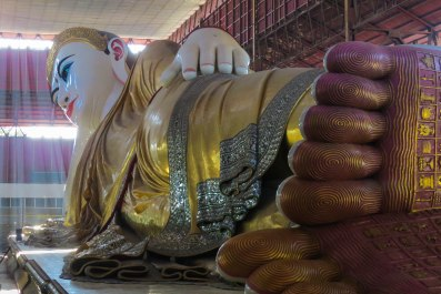 Yangon - The 65m long reclining Buddha.